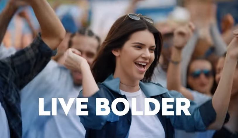 Kendall Jenner is not happy after that Pepsi commerical controversy